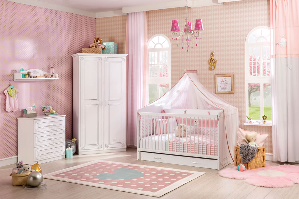 Идеи за детска стая в розово и бежово