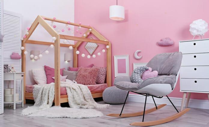 Момичешка детска стая в розово