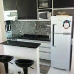 Малка кухня в черно и бяло