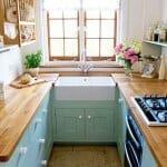 Малка кухня в свежи цветове