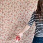 Боядисване на стена с релефен валяк