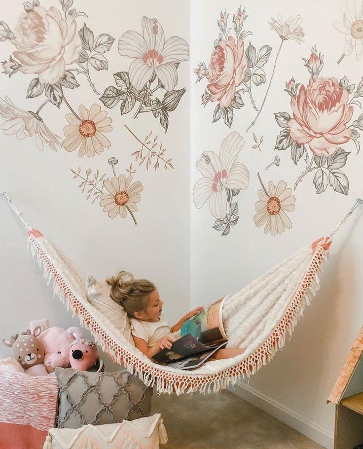 Декорация за стена за момичешка стая