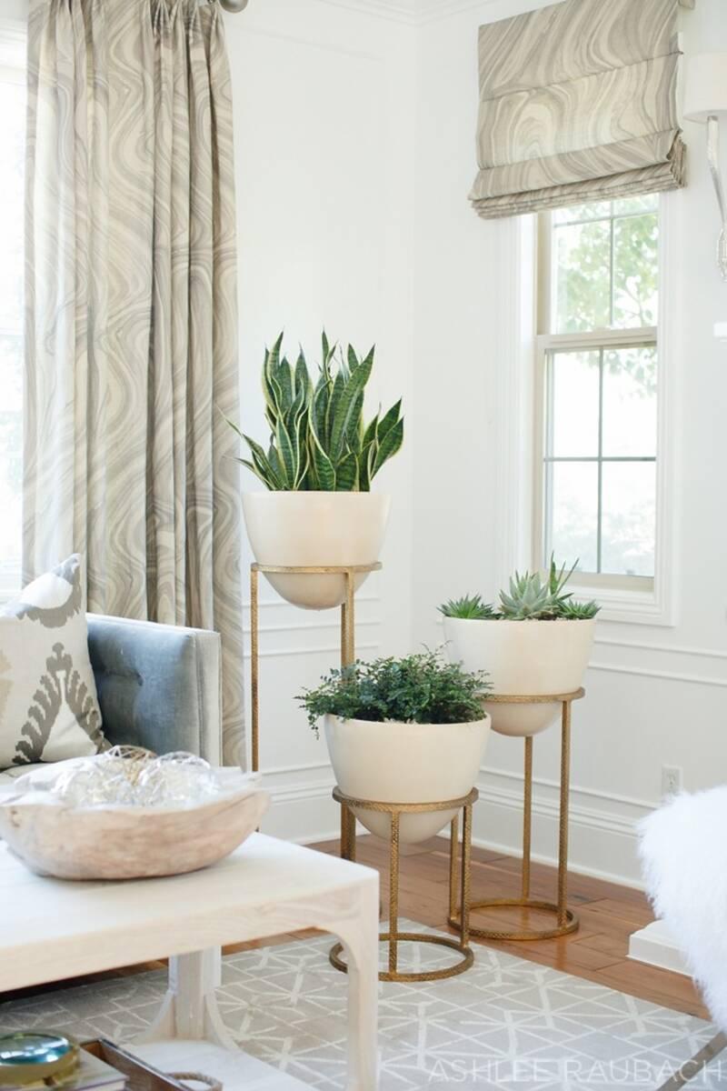 Стойки за стайни растения