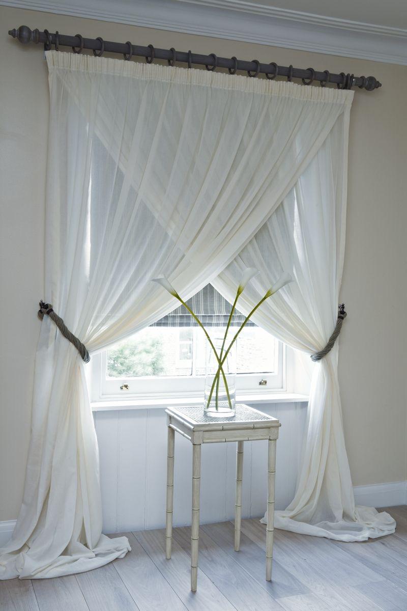 Плътна щора и феерична завеса за спалня