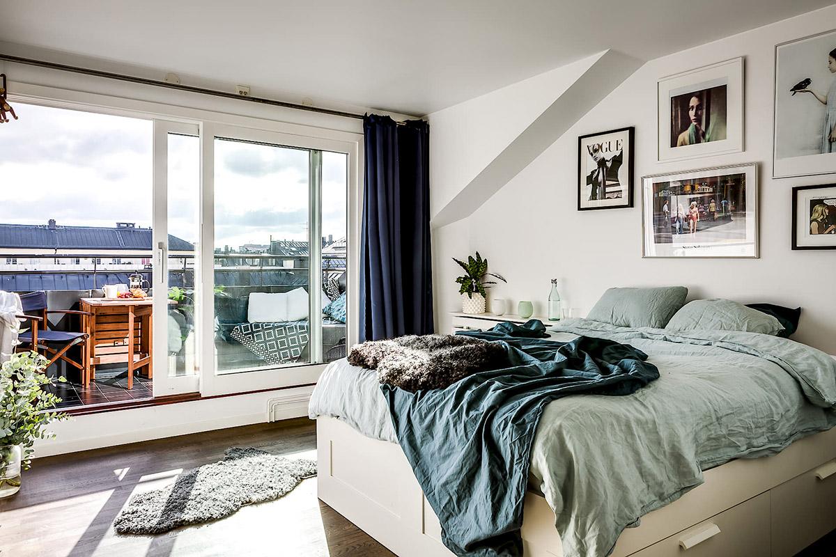 Спалня с панорамни прозорци