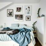 Спалня със скосен таван
