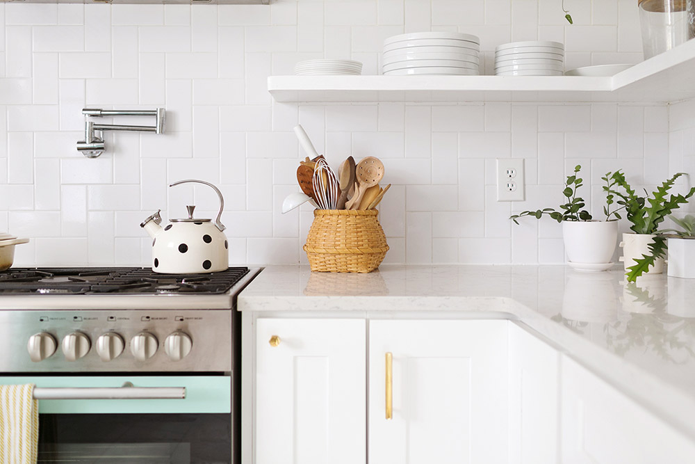 Бял гръб на кухня