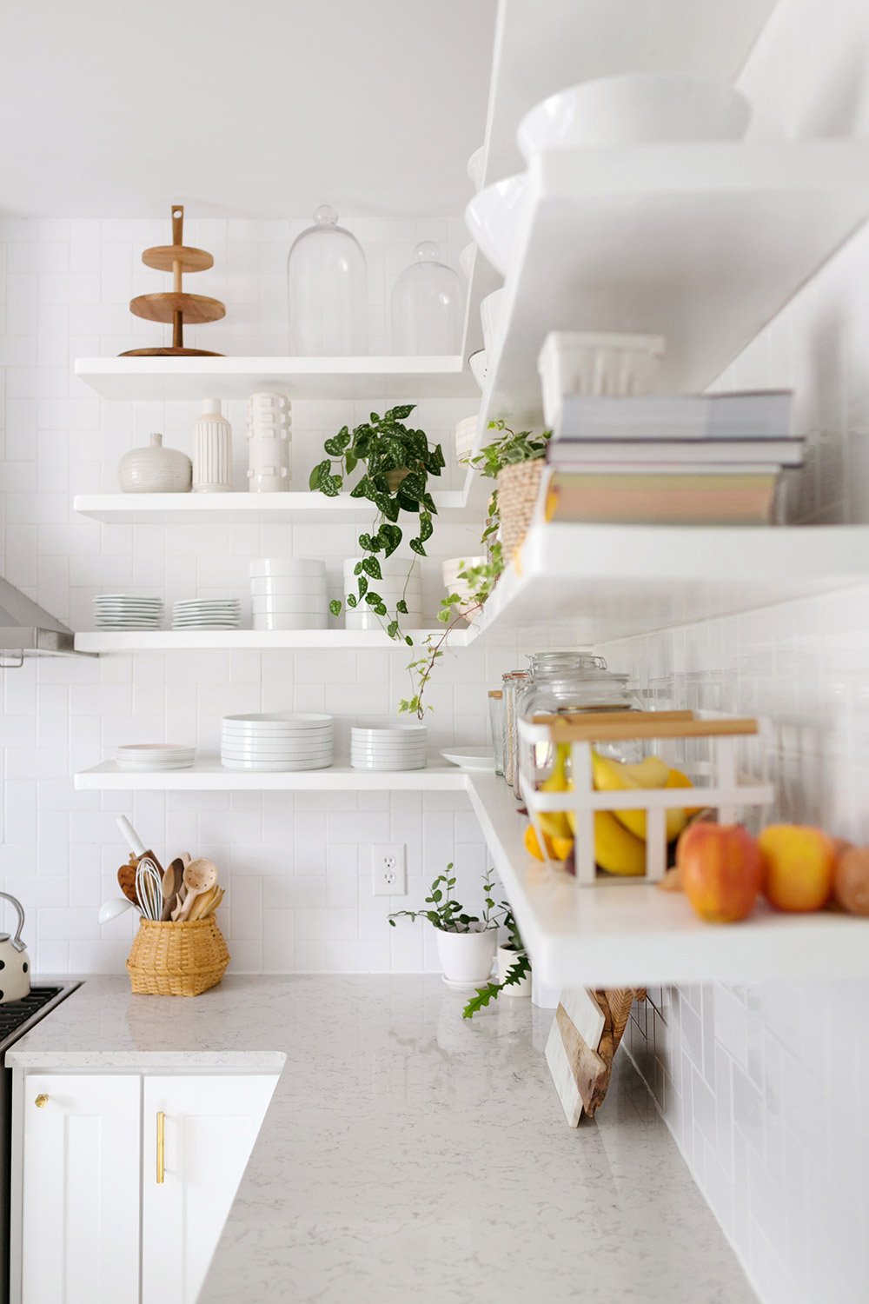 Кварцов плот на кухня