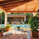Уютна къща с басейн