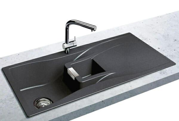 Луксозна гранитна мивка SCHOCK монтирана в кухня
