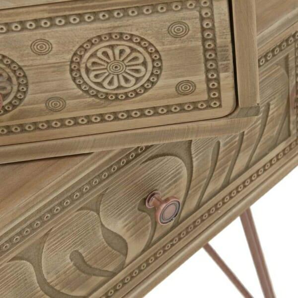 Дървена конзола с резбована декорация