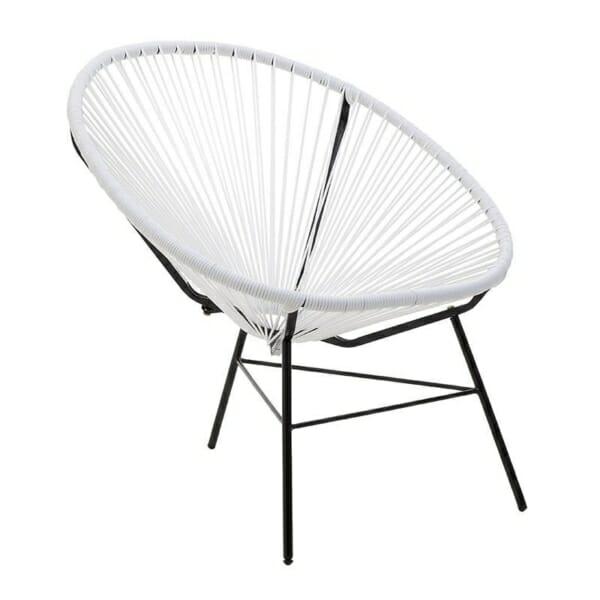 Бял стол с нестандартна форма