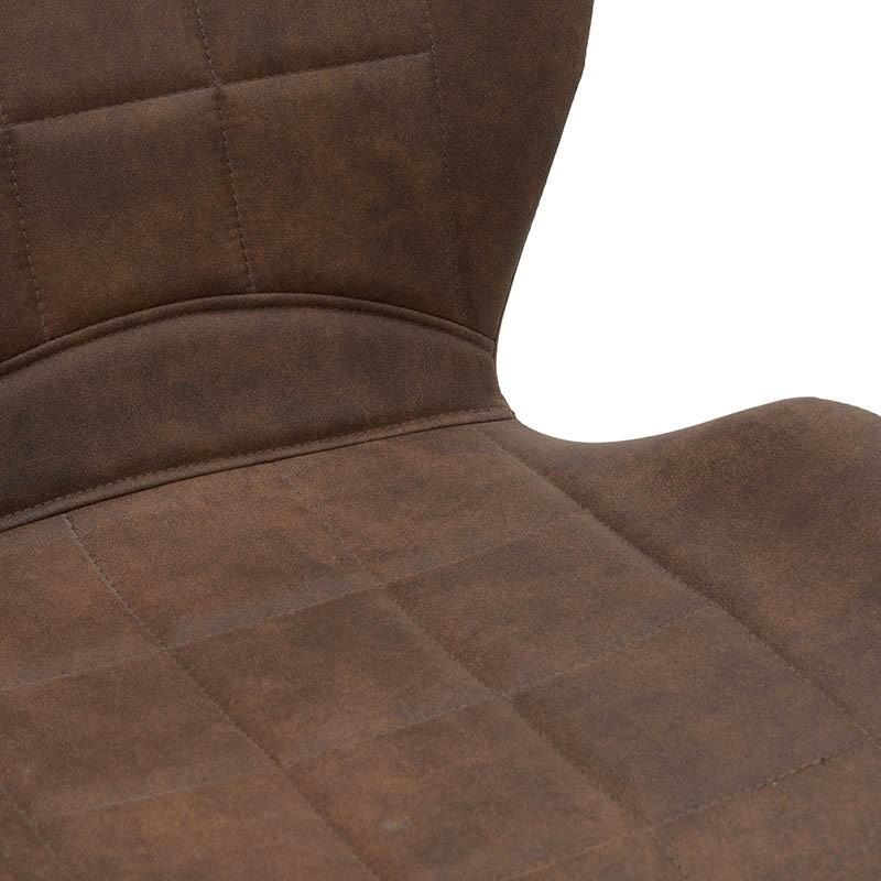 Модерен стол с извита седалка в кафяво - отблизо