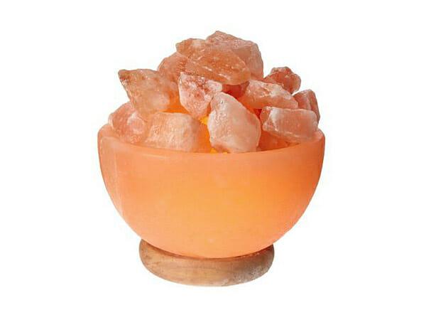 Лампа от Хималайска сол във формата на купа с кристали