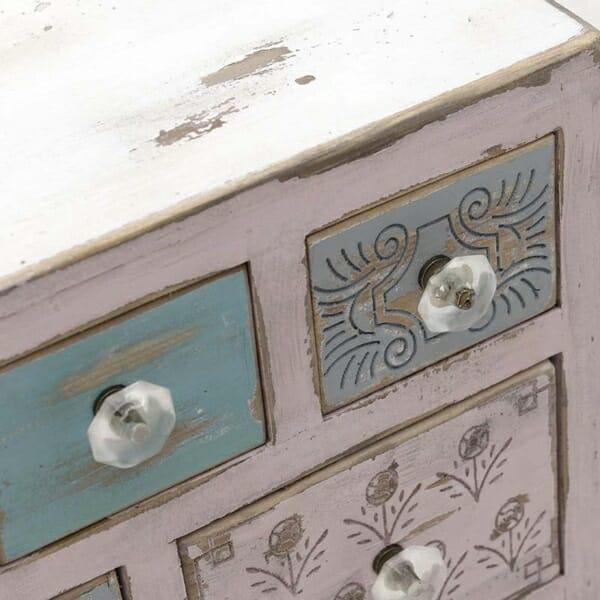 Малък дървен шкаф Shabby Chic - отблизо