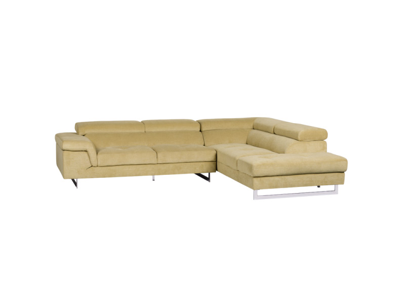 Светлобежов ъглов диван със свалени подглавници