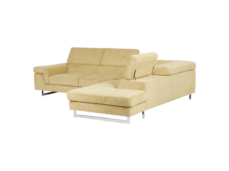 Светлобежов ъглов диван с вдигнати подглавници