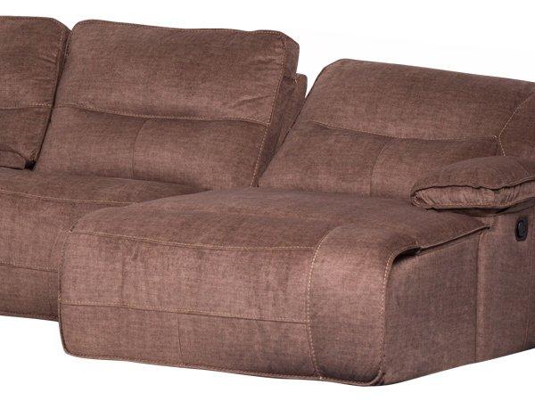 Ъглов диван със спусната облегалка на релакс механизъм