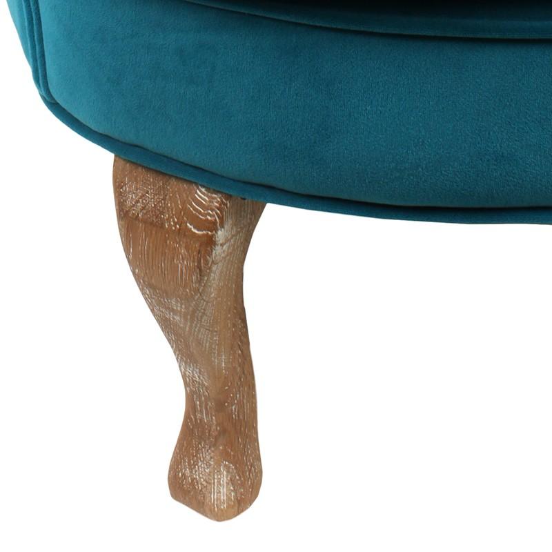 Удобно кадифено кресло в синьо - крака