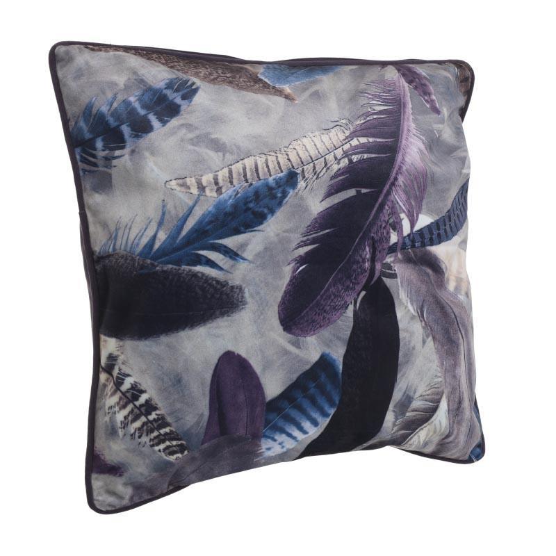Декоративна възглавница в тъмни цветове