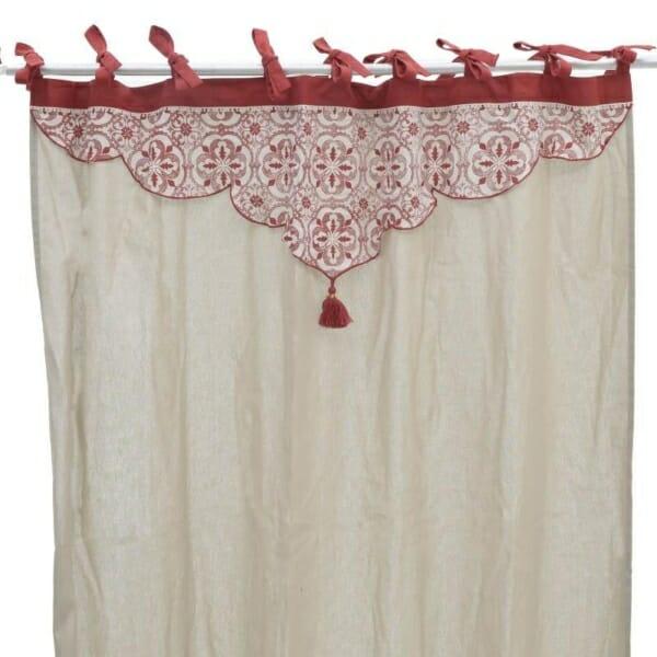 Текстилна завеса Red Tassel