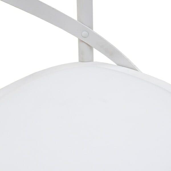 Трапезен стол бистро в бяло - отблизо