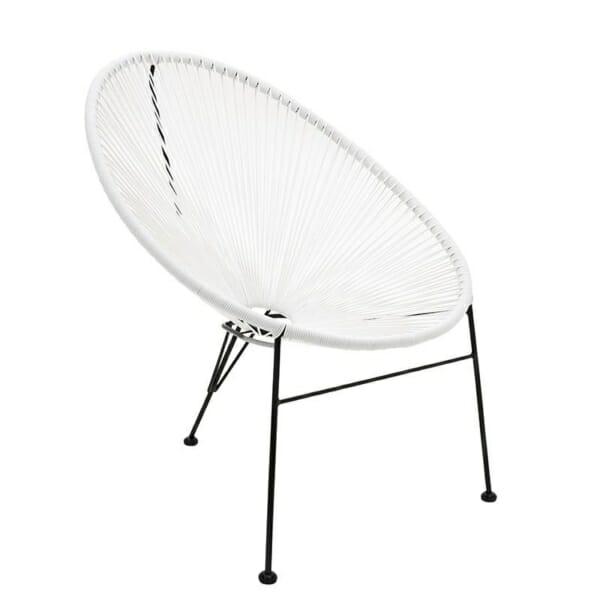 Атрактивен стол с оригинален дизайн в бяло