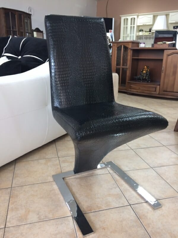 Стол крокодилска кожа