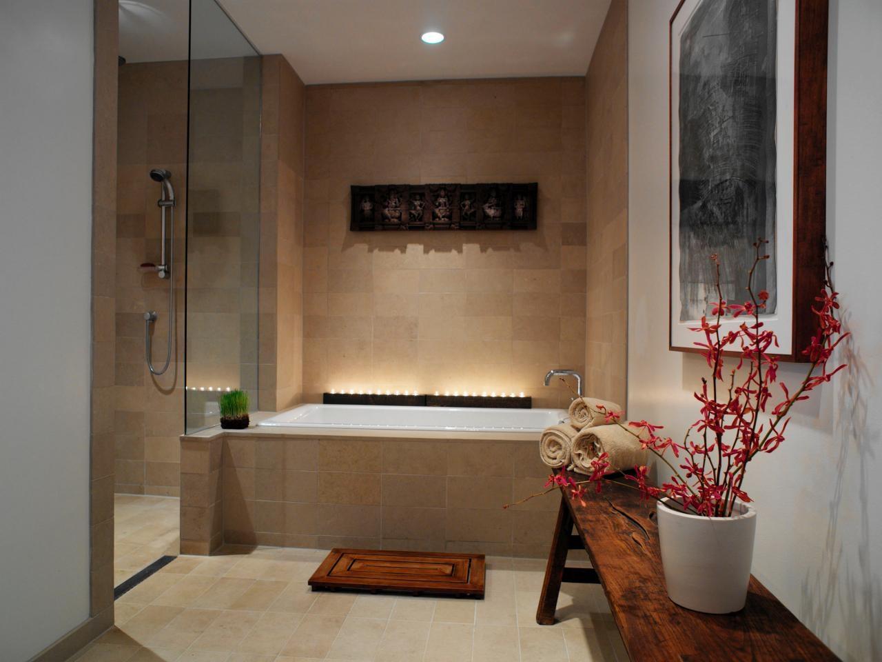 Луксозна баня с вана и свещи
