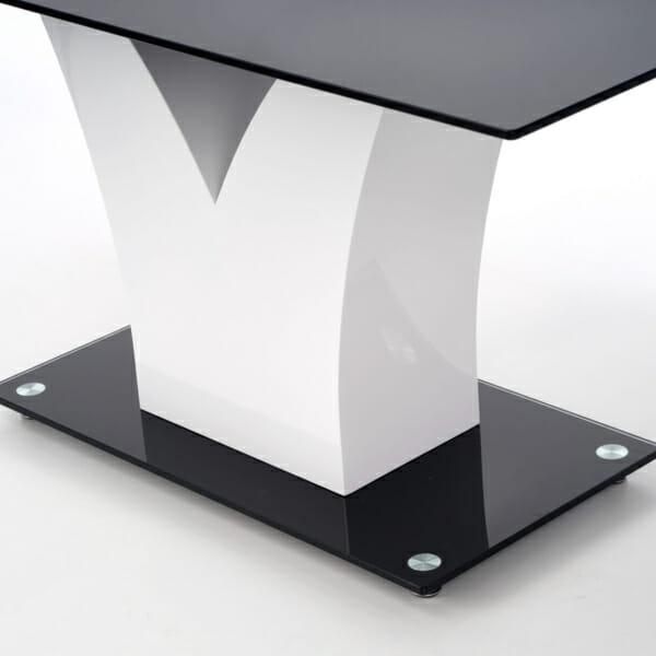 Стъклена маса Вики - близък план