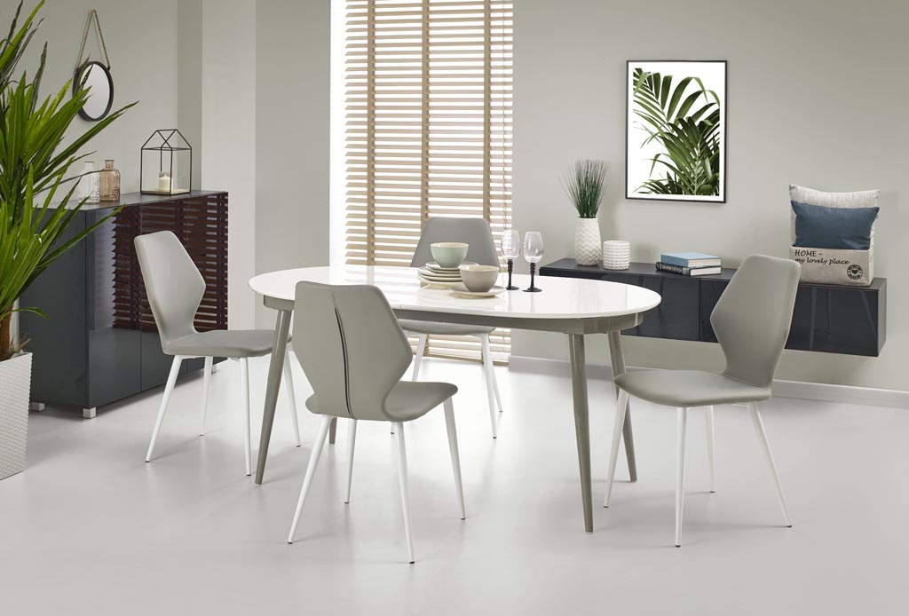 Овална маса Далия - с 4 стола отпред