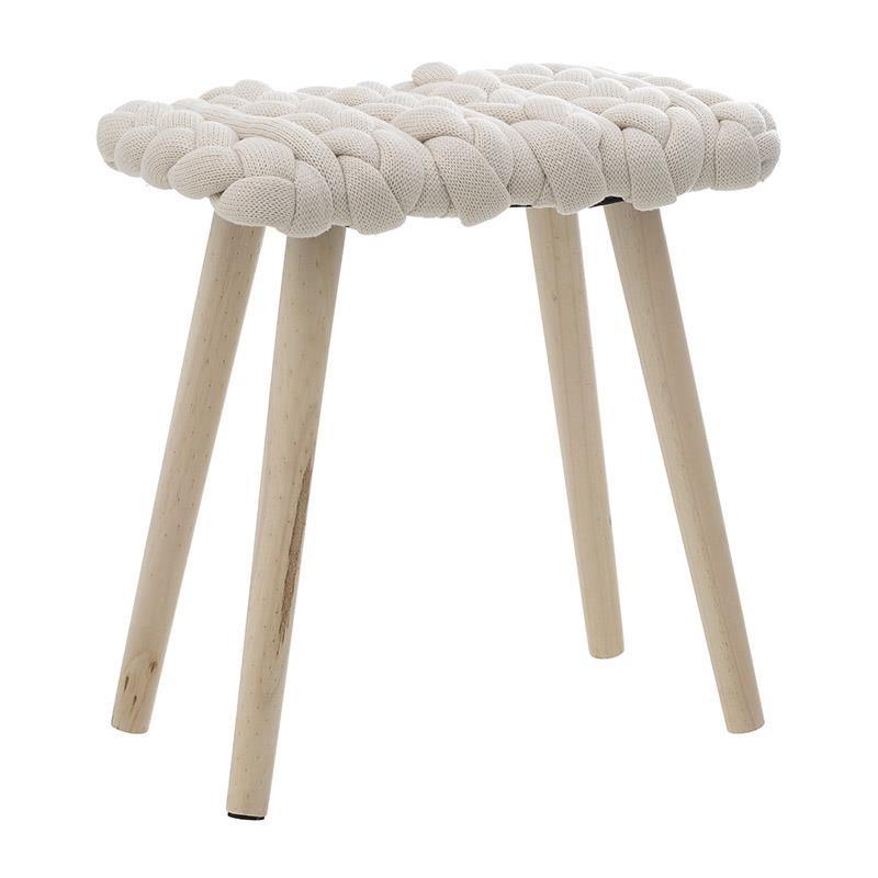 Табуретка с плетена седалка и дървени крака