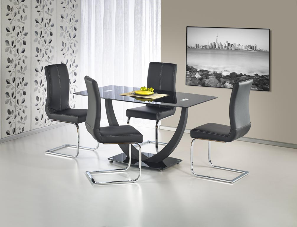 Черна трапезна маса от стъкло и стомана