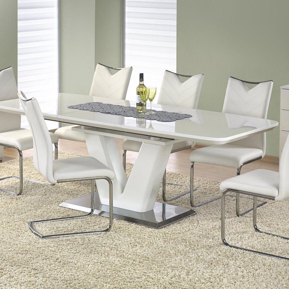 Бяла трапезна маса - разтегната със столове