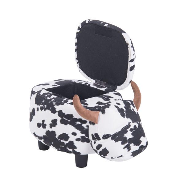 Детска табуретка във формата на крава - снимка с отворена ракла