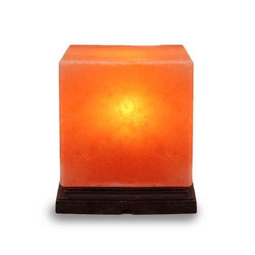 Солна лампа във формата на куб