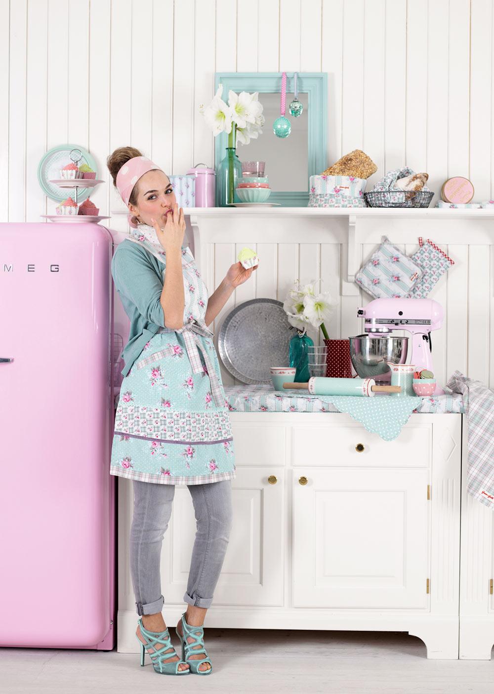 Цветни електроуреди за кухня в ретро стил SMEG