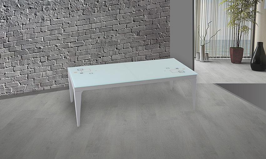 Метална холна маса със стъклен плот за дом или офис