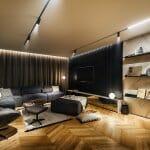 Модерен апартамент в черно и естествено дърво