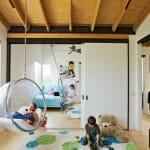 Детска стая с висящи столове