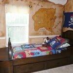 Детска стая с пиратско легло