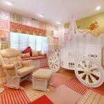 Детска стая с легло каляска