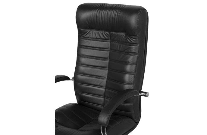 Черен директорски офис стол с естествена и еко кожа - снимка отблизо