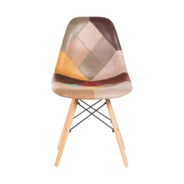 Шарен стол на кръпки с дървени крака-снимка отпред