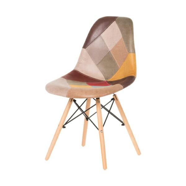 Шарен стол на кръпки с дървени крака-снимка отстрани