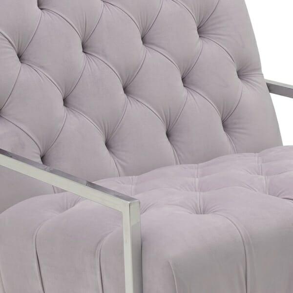 Модерно кресло с метална конструкция - отблизо