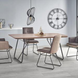 Трапезна маса в индустриален стил Хюи