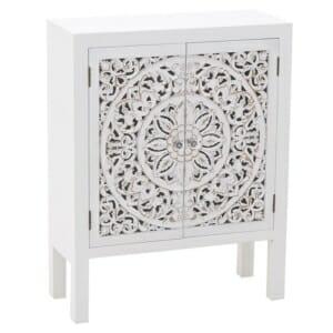 Красив бял шкаф с резбовани вратички