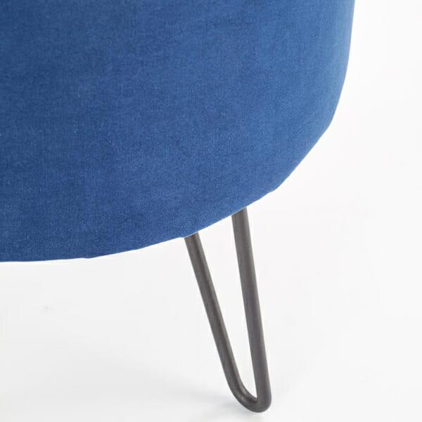 Тъмносиня кръгла ниска табуретка с метални крака-снимка отблизо