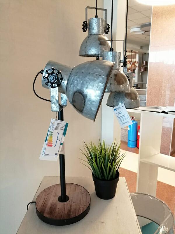 Винтидж настолна лампа в състарен цинк Eglo серия Barnstaple